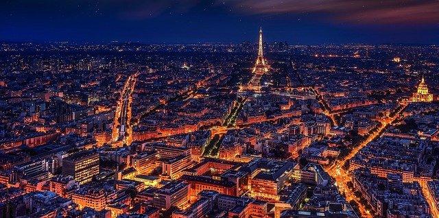 samochodem do Paryża
